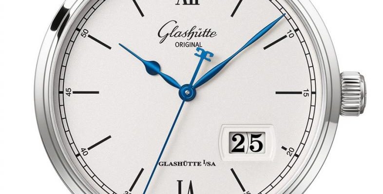 Glashütte Original: Senator Excellence Panoramadatum in Edelstahl